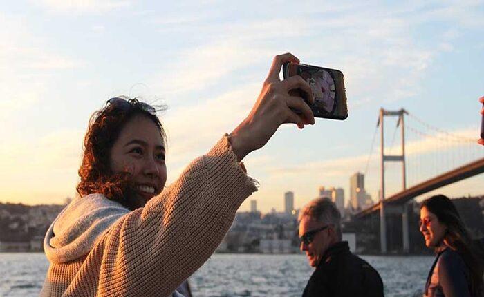 Sunset-Cruise-On-The-Bosphorus